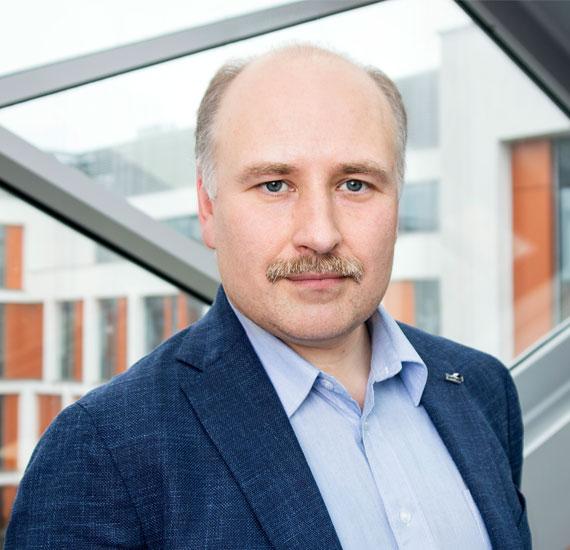 Dr. Adam Buraczewski